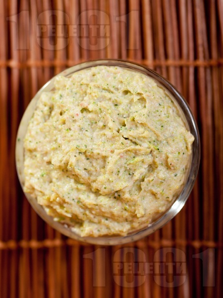 Разядка от броколи и рулца от раци с майонеза - снимка на рецептата